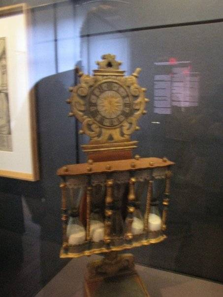 Pulpit Hourglass